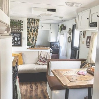 Gorgeous Farmhouse Decoration For RV Makeover 19