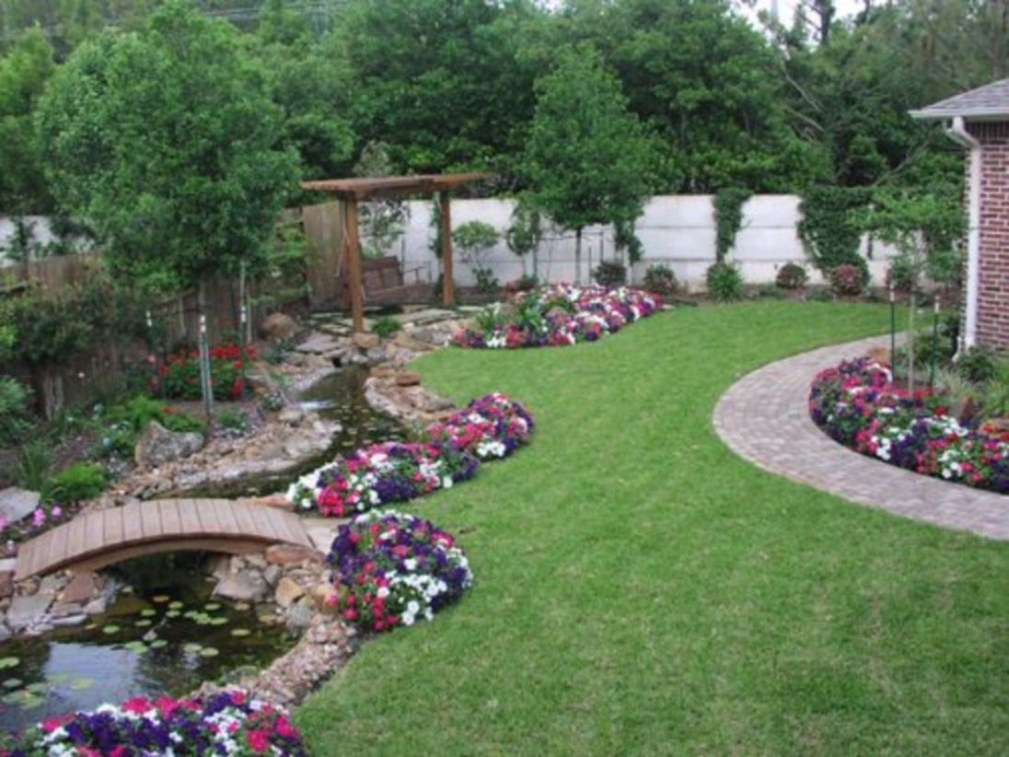 Great Ideas To Decorate Your Backyard 41
