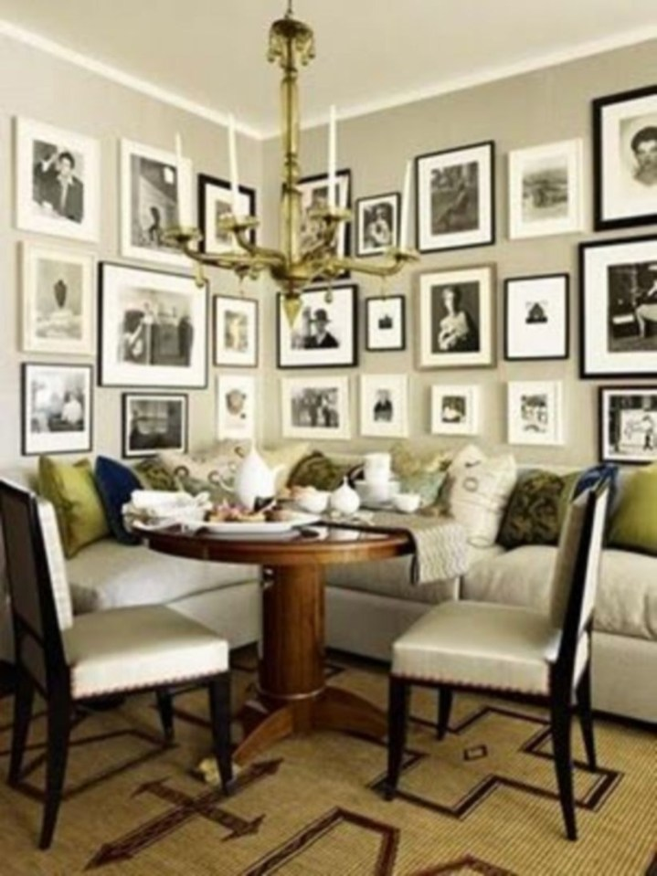 How To Create Wall Gallery In Above The Sofa 18
