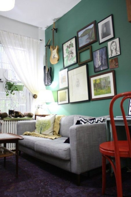 How To Create Wall Gallery In Above The Sofa 30