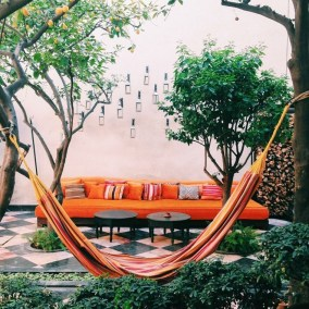 Simply Impressive Sitting Areas For Backyard Landscape 07