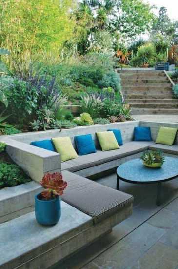 Simply Impressive Sitting Areas For Backyard Landscape 50
