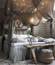 Ways To Create Cozy And Beautiful Teen Farmhouse Bedroom 11