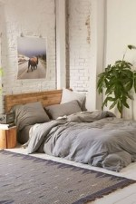 Ways To Create Cozy And Beautiful Teen Farmhouse Bedroom 18