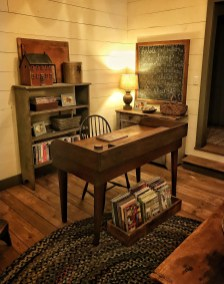 44 Modern Rustic Decorating Ideas For Your Home Office 27
