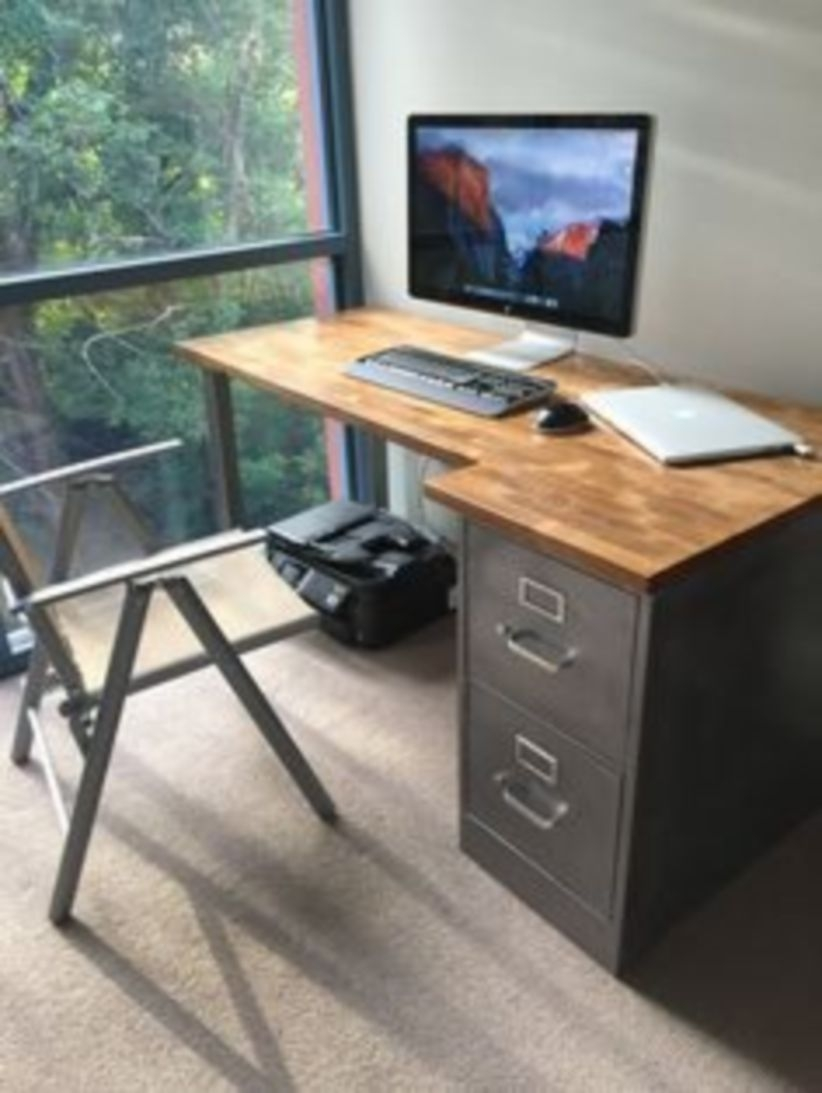44 Modern Rustic Decorating Ideas For Your Home Office 42