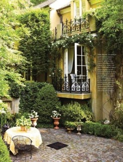 A Cozy Backyard France Terrace Ideas 20