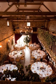 Adorable Winter Wedding Ideas For Decorate Your Party 01