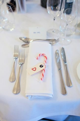 Adorable Winter Wedding Ideas For Decorate Your Party 05