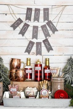 Adorable Winter Wedding Ideas For Decorate Your Party 21