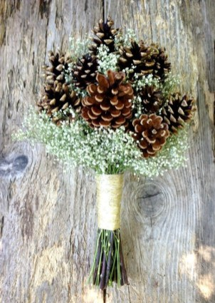 Adorable Winter Wedding Ideas For Decorate Your Party 24