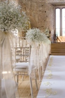 Adorable Winter Wedding Ideas For Decorate Your Party 41