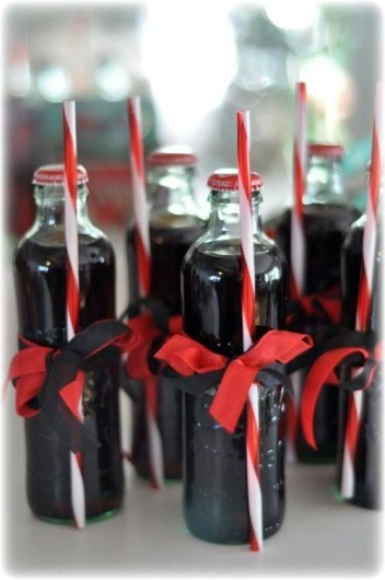 Amazing Inspiration With Bottle Christmas Vases You Can Try 02