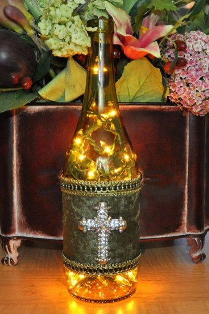 Amazing Inspiration With Bottle Christmas Vases You Can Try 25