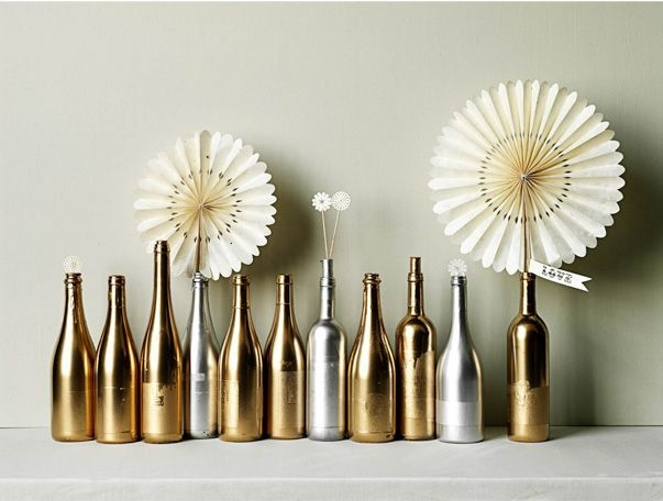 Amazing Inspiration With Bottle Christmas Vases You Can Try 36