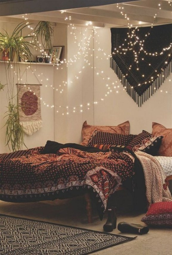 Awesome Boho Decorating Ideas For Your Bedroom 07