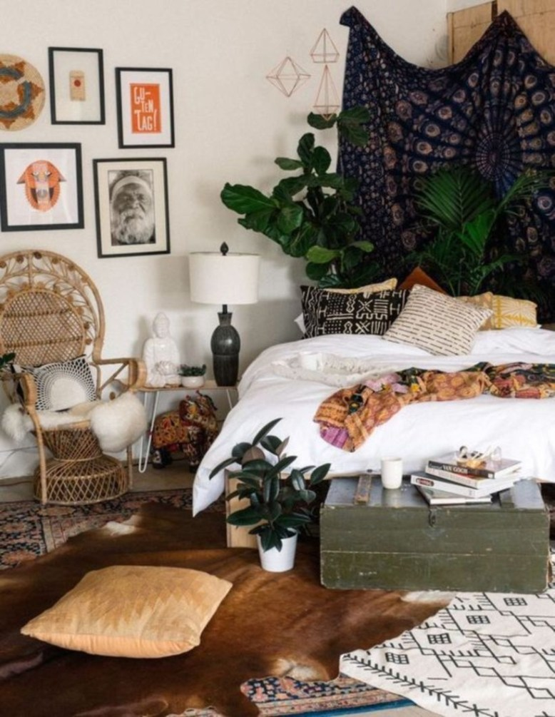 Awesome Boho Decorating Ideas For Your Bedroom 24