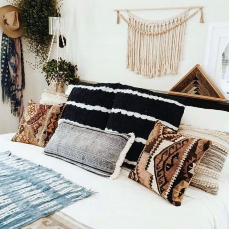 Awesome Boho Decorating Ideas For Your Bedroom 26