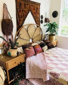 Awesome Boho Decorating Ideas For Your Bedroom 49