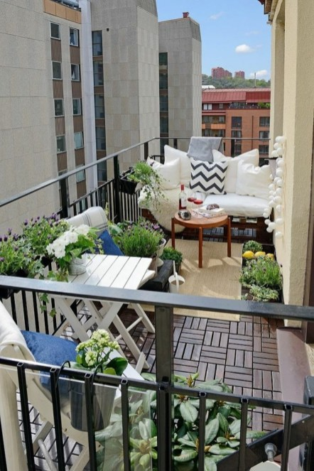 Balcony Garden Ideas For Decorate Your House 28
