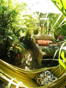 Beautiful Tropical Outdoor Decoration For Cozy Place 24