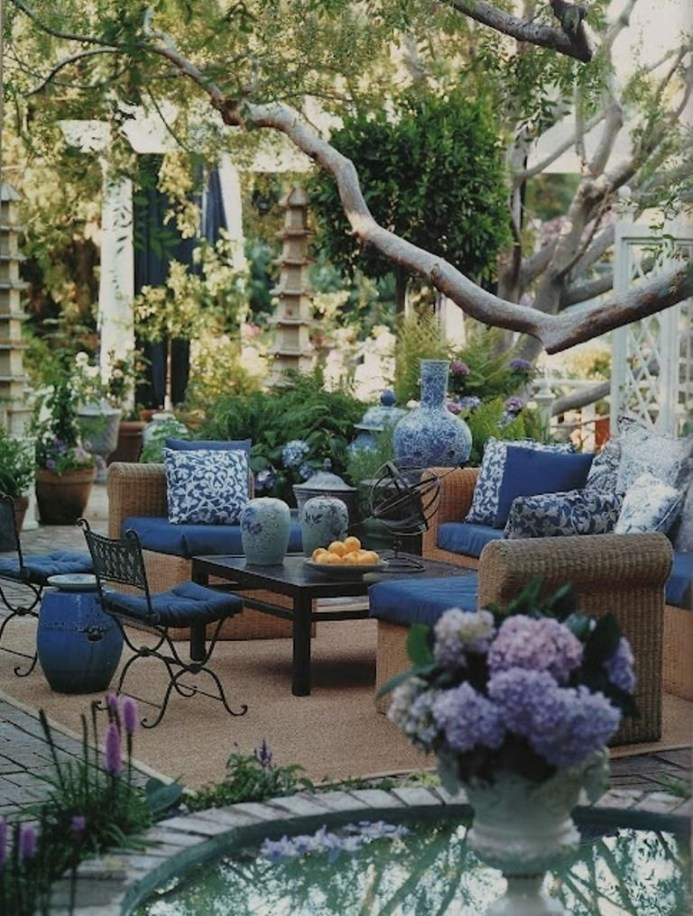 Beautiful Tropical Outdoor Decoration For Cozy Place 31
