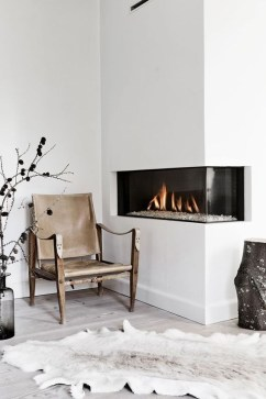 Best Decorating Ideas For Winter Fireplace 06