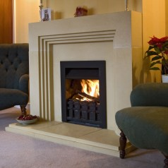 Best Decorating Ideas For Winter Fireplace 31