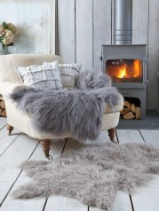 Best Decorating Ideas For Winter Fireplace 34