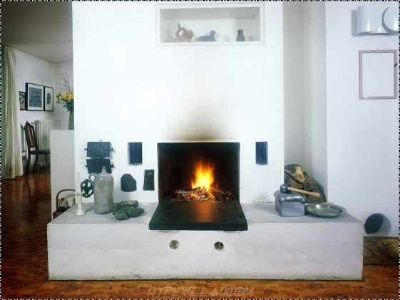 Best Decorating Ideas For Winter Fireplace 38