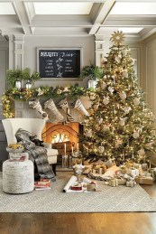 Best Decorating Ideas For Winter Fireplace 45