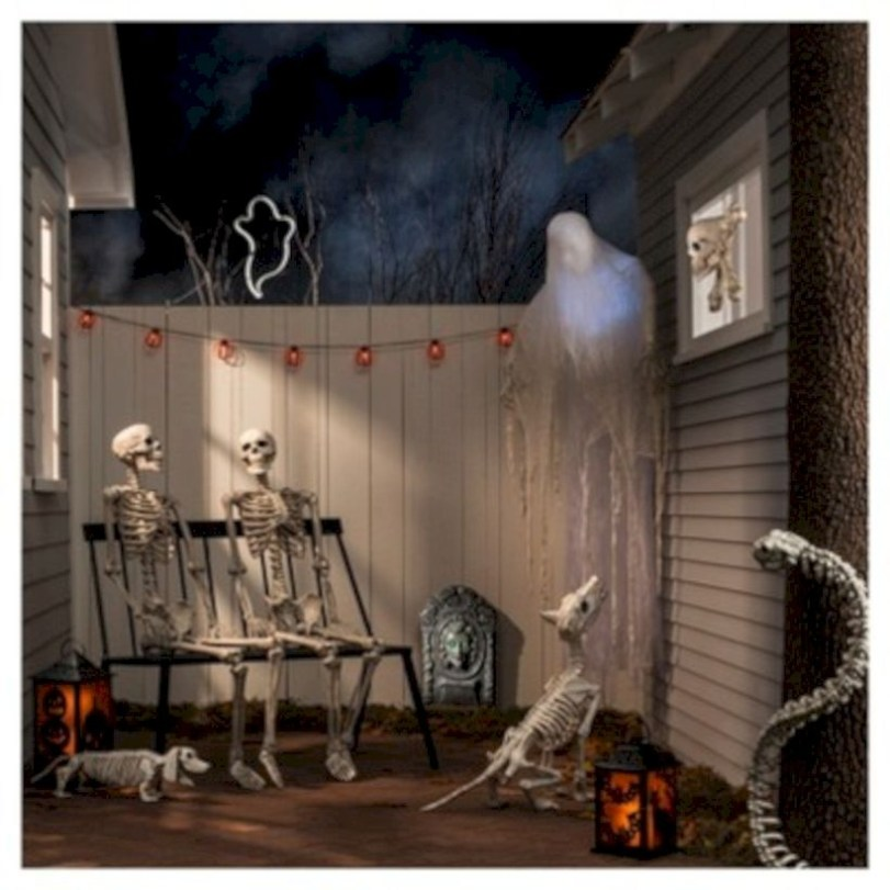 Best Ghost Silhouette DecorIideas To Haunt Your Guests 20
