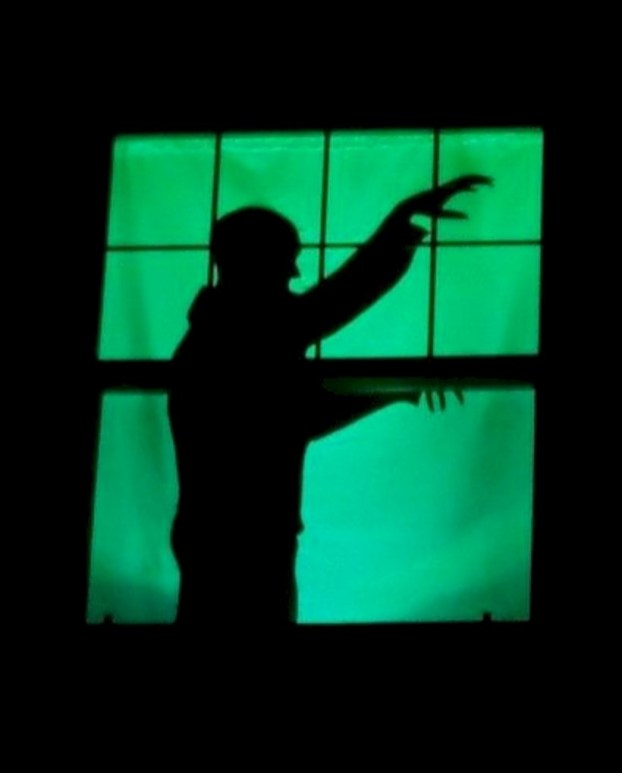 Best Ghost Silhouette DecorIideas To Haunt Your Guests 38