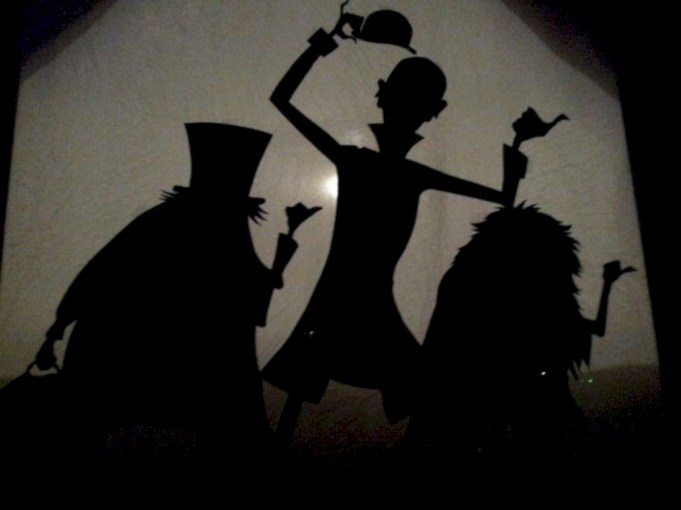 Best Ghost Silhouette DecorIideas To Haunt Your Guests 40