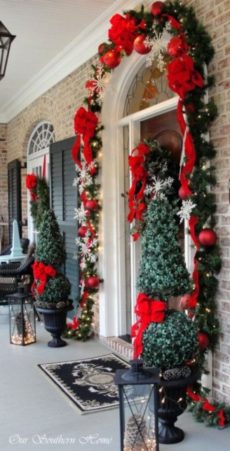 Classic Christmas Decoration You Must Try For Your Family 05