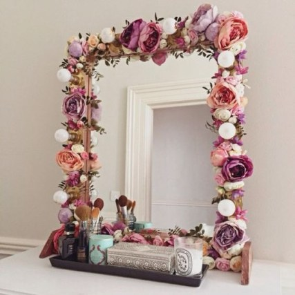 Easy DIY Projects Anyone Can Do For Apartment Decoration 26