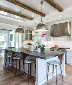Farmhouse Interior Ideas That Will Inspire Your Next Remodel 14