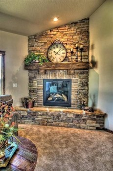 Favorite Winter Decorating For Fireplace Ideas 32