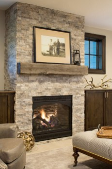 Favorite Winter Decorating For Fireplace Ideas 33