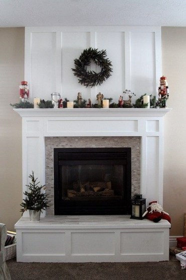 Favorite Winter Decorating For Fireplace Ideas 34