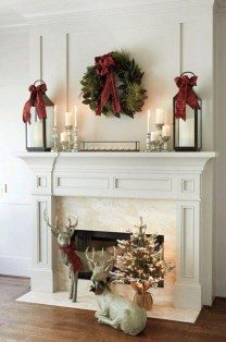 Favorite Winter Decorating For Fireplace Ideas 52