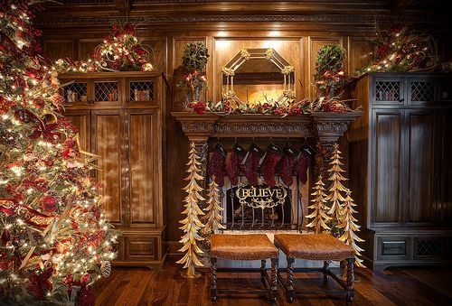 Gorgeous Christmas Mantel For Fireplace Decorate In Your House 10