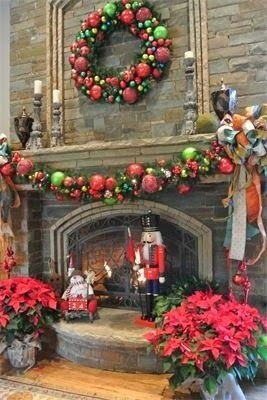 Gorgeous Christmas Mantel For Fireplace Decorate In Your House 20