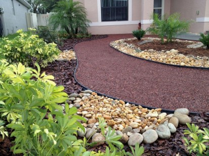 Lovely Landscaping Plans For Your Own Yard 05