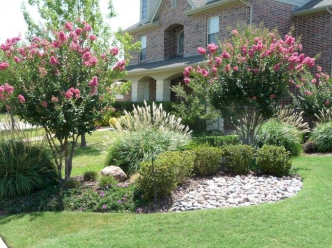 Lovely Landscaping Plans For Your Own Yard 10