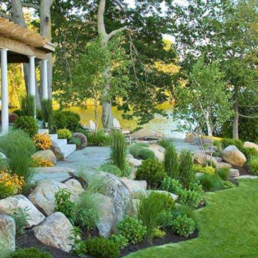 Lovely Landscaping Plans For Your Own Yard 11
