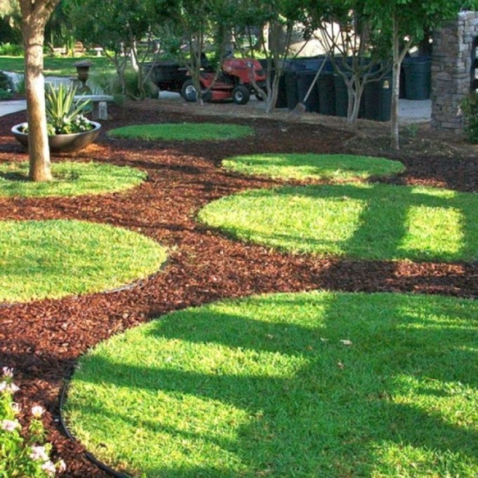 Lovely Landscaping Plans For Your Own Yard 27