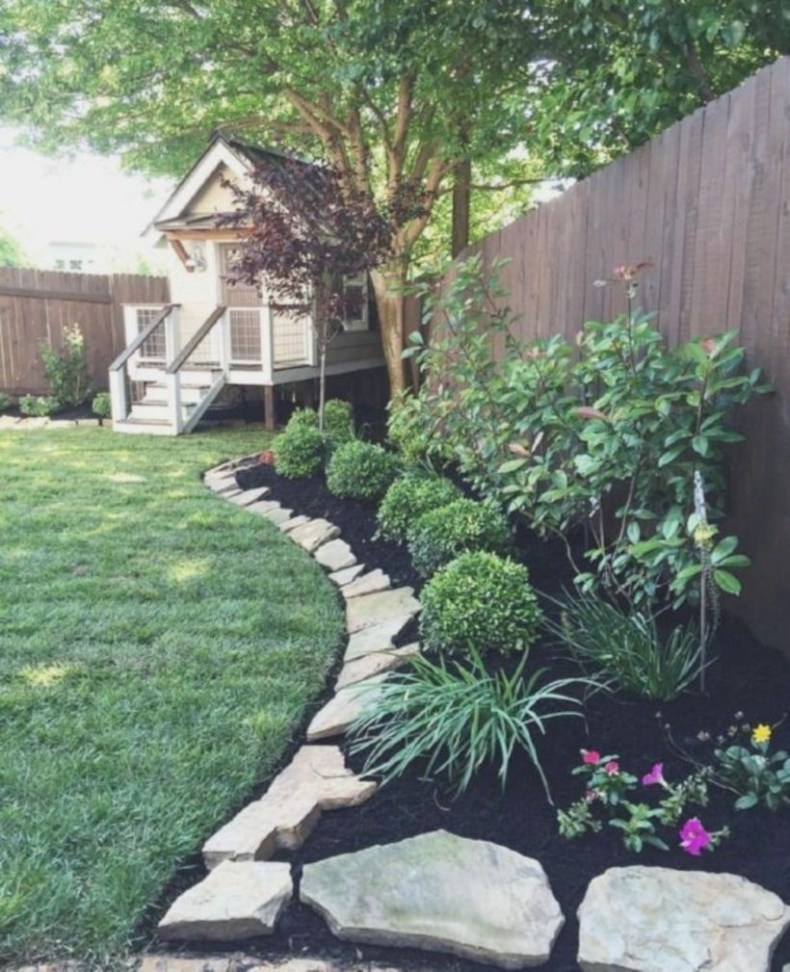 Lovely Landscaping Plans For Your Own Yard 35