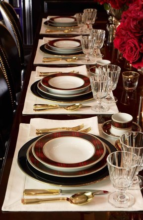 Luxury Christmas Table Decoration For Celebrating Christmas This Year 09
