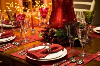 Luxury Christmas Table Decoration For Celebrating Christmas This Year 23